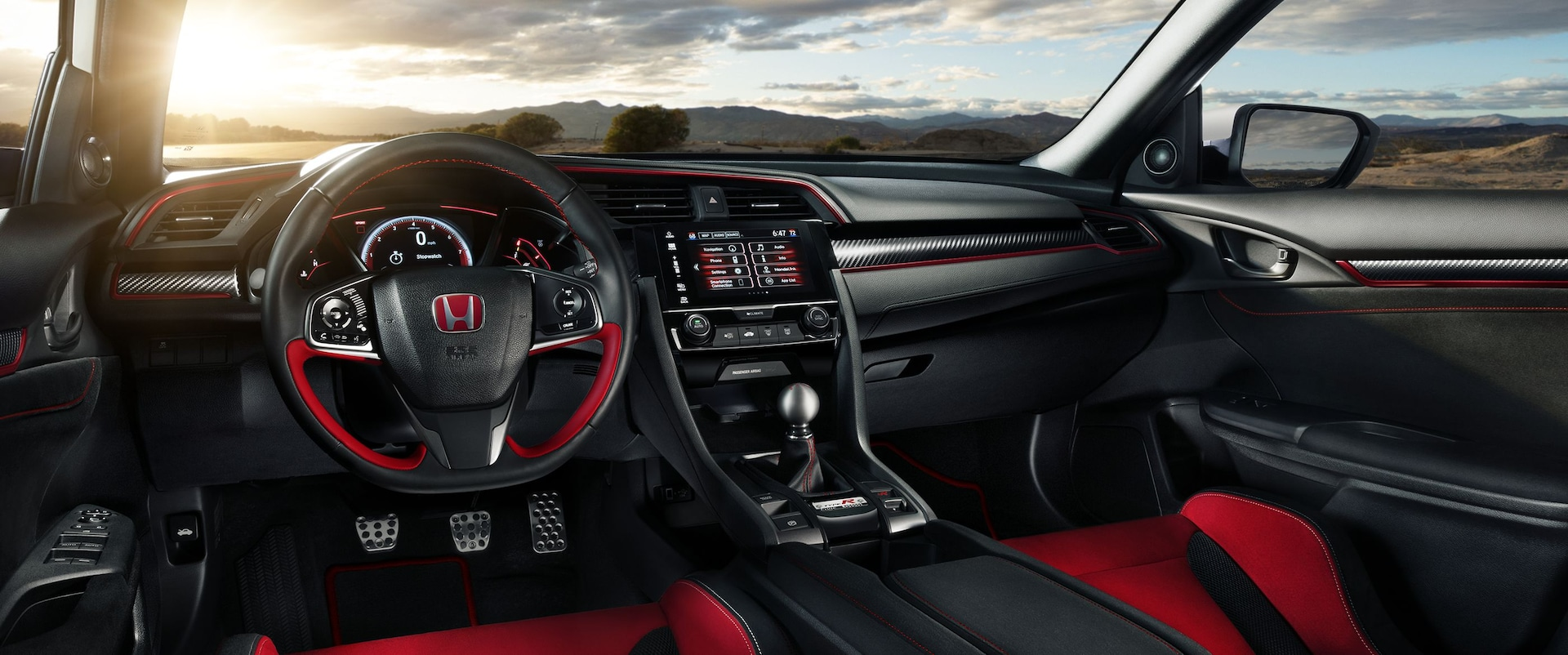 Ordinaire The Interior Is Typical FC/FK Honda Civic Fare, Save For All New  Racing Style Front Bucket Seats, Alcantara Faux Suede Inserts Along The  Interior Touchpoint ...