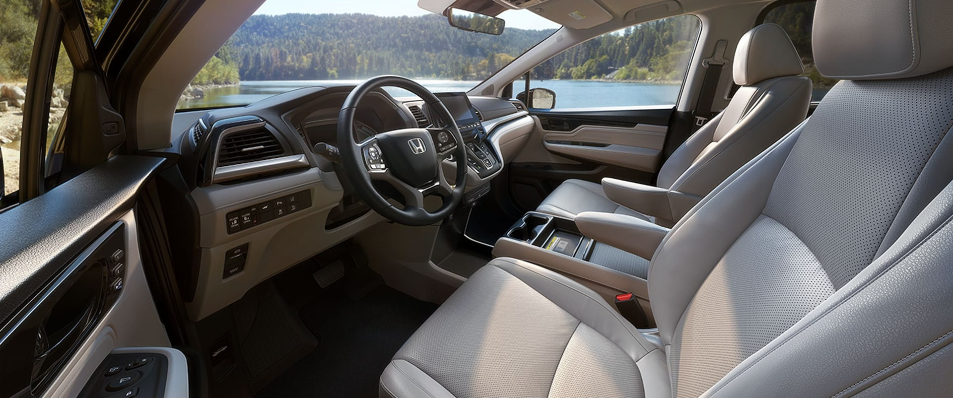 Honda Odyssey Ex L Vs Touring >> 2018 Chrysler Pacifica vs 2018 Honda Odyssey comparison ...