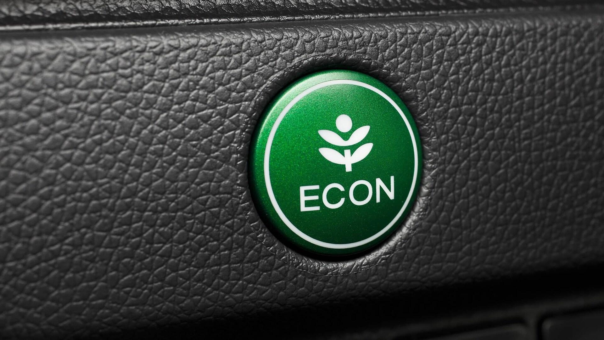 Detalle del botón ECON verde en el Honda Fit EX-L2019.