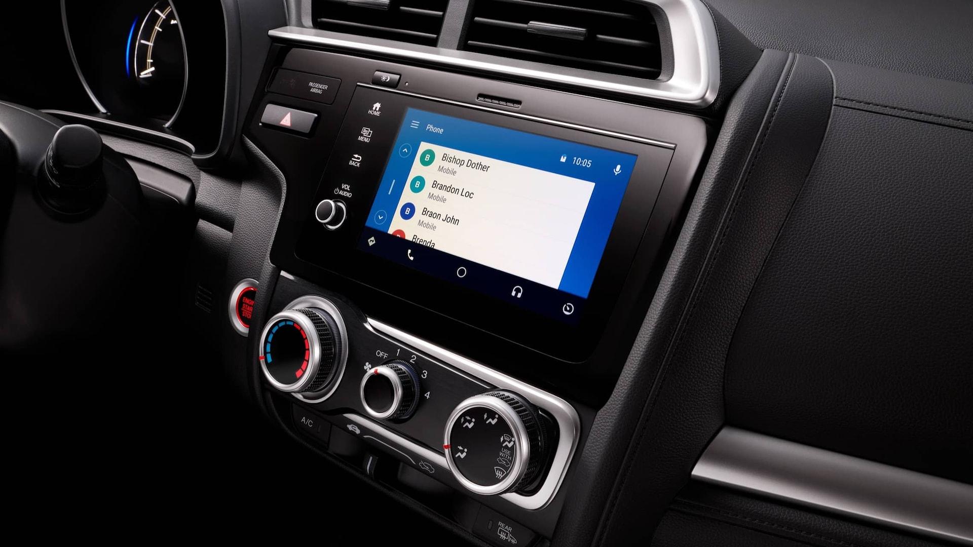 Detalle del sistema de audio en pantalla táctil con Android Auto™ en el Honda Fit2019.