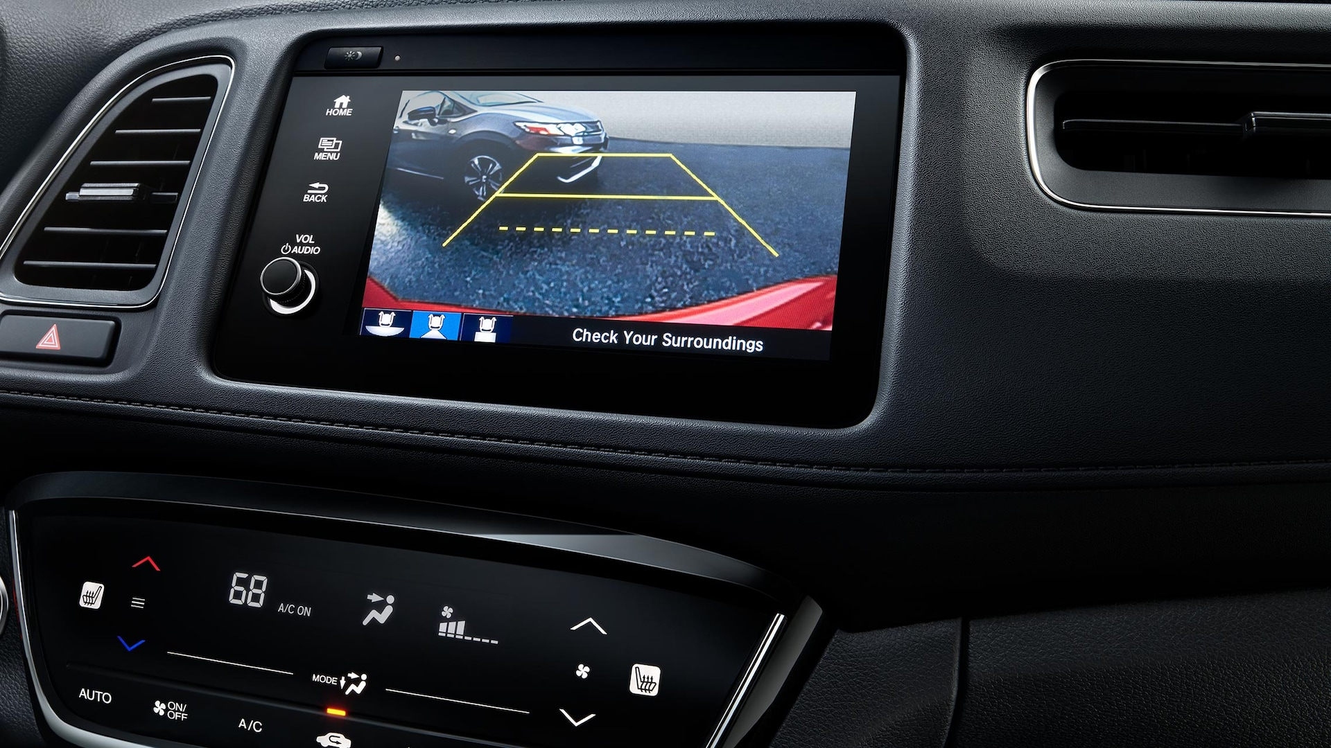 Multi-angle rearview camera detail on Display-Audio touchscreen in the 2019 Honda HR-V Touring.