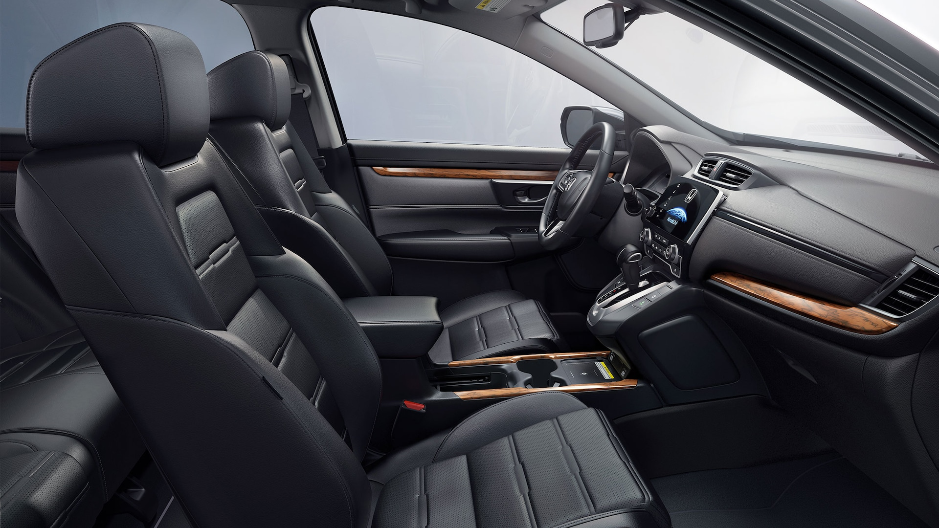 Vista del interior de la Honda CR-V Touring 2020 con Black Leather.