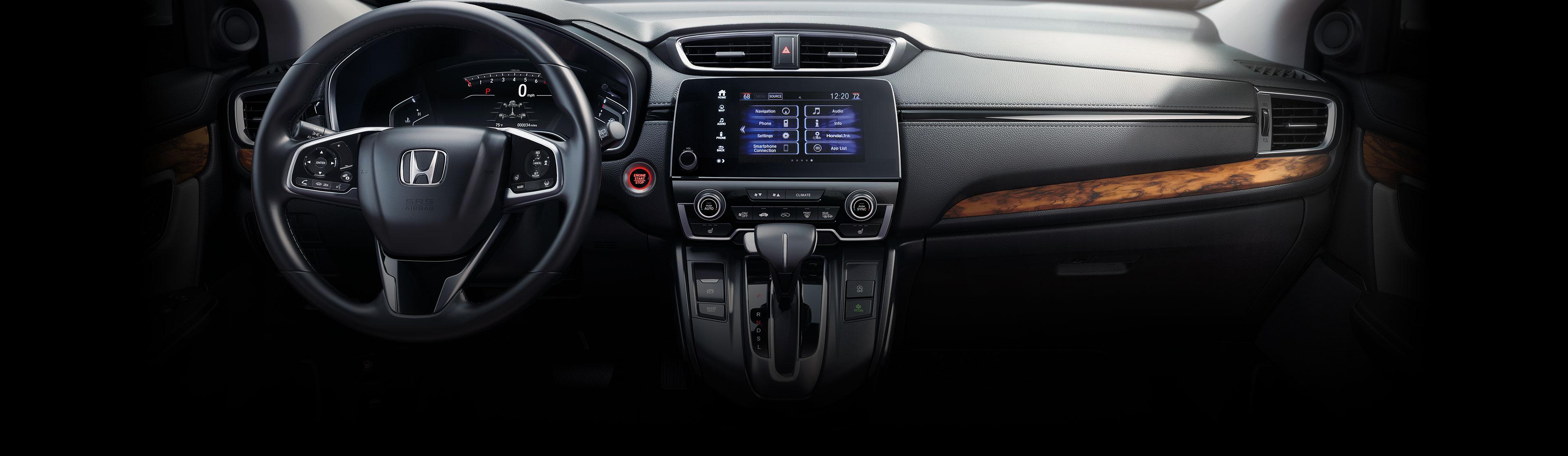 Vista interior del panel de instrumentos en la Honda CR-V2020