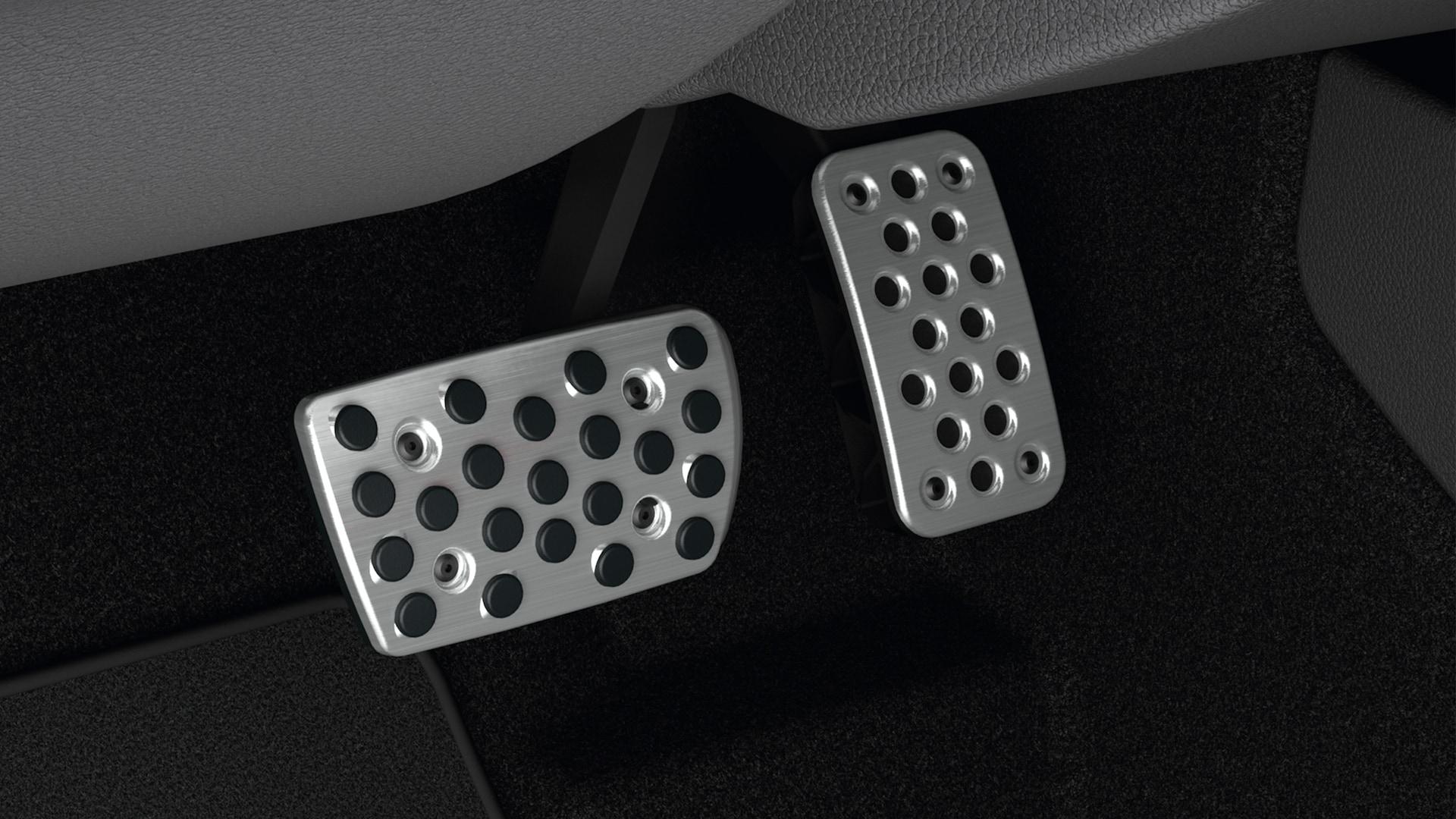 Accesorio de pedales deportivos original de Honda en el Honda Civic Hatchback2020.
