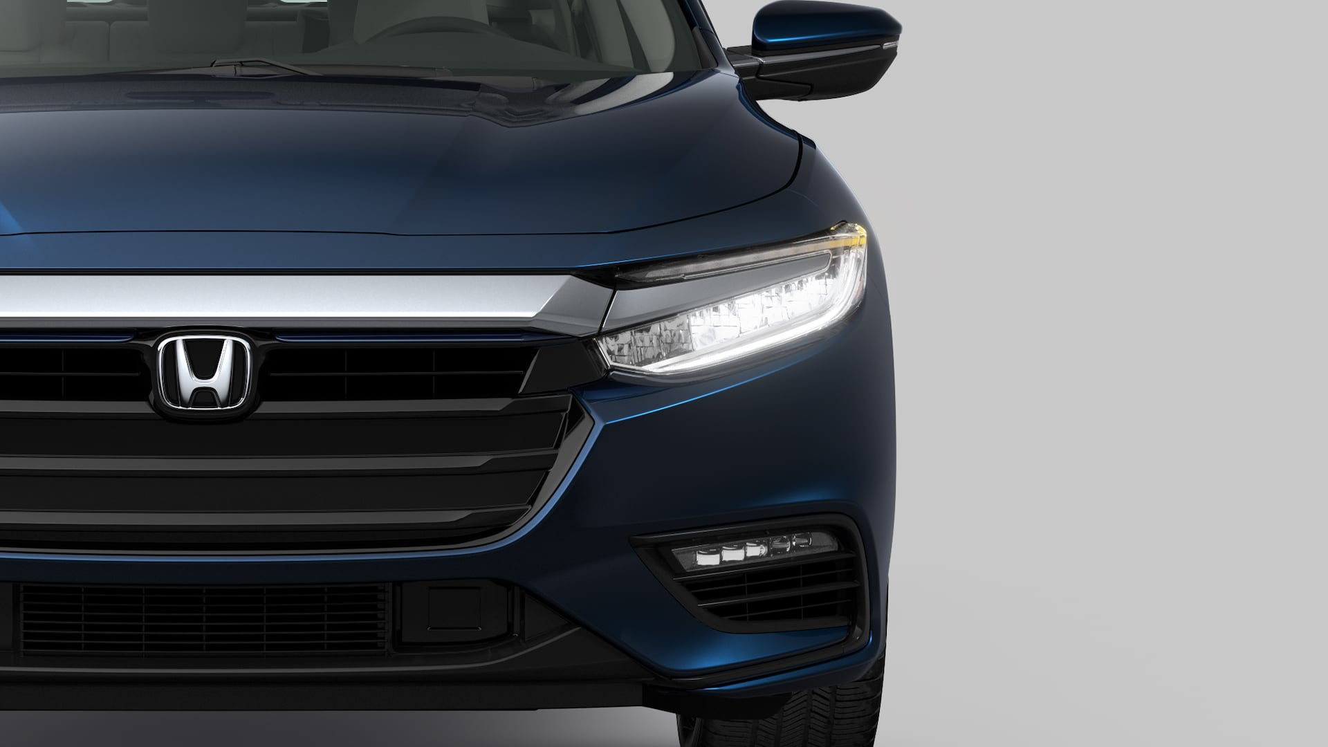 Vista frontal del Honda Insight2020 en Cosmic Blue Metallic.