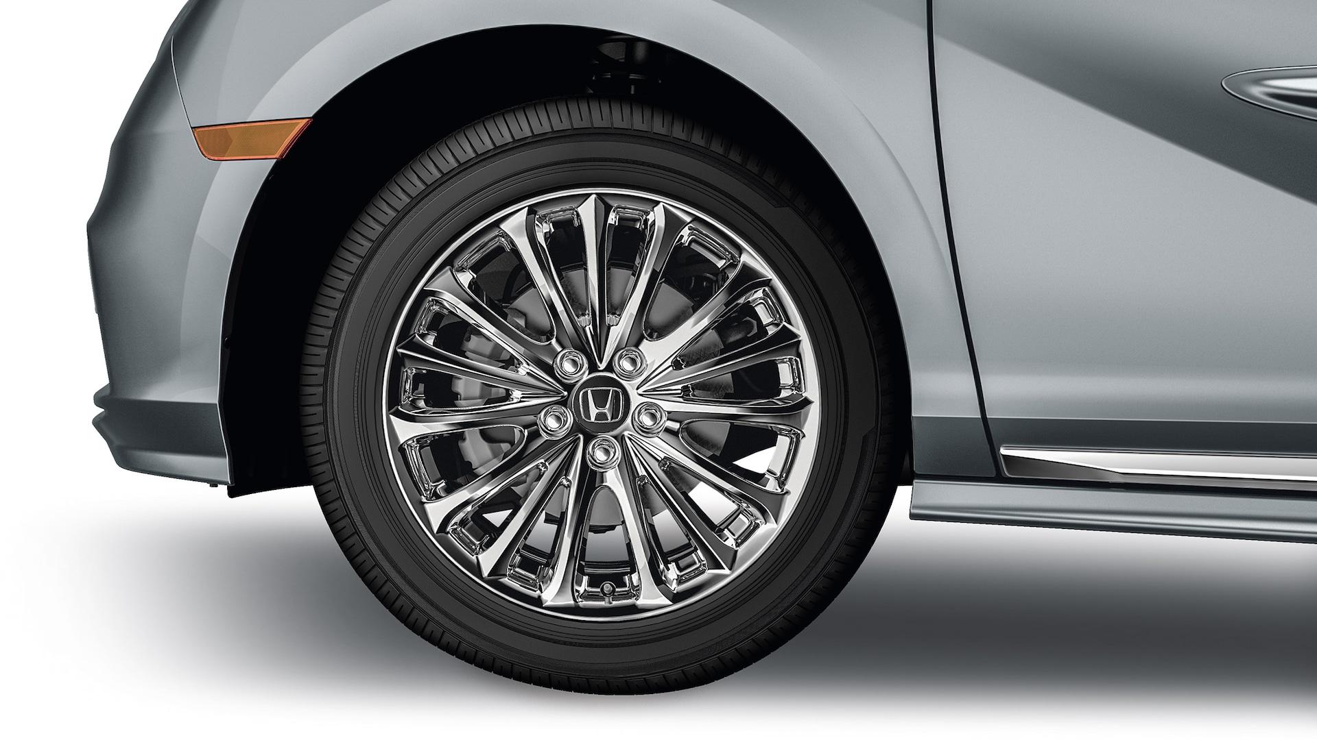 Detalle del accesorio: ruedas de aleación cromadas de 19 pulgadas de la Honda Odyssey 2020.