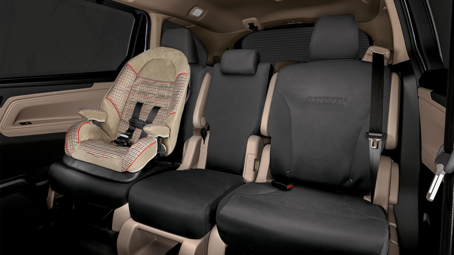 Detalle del accesorio de cubiertas para asientos de la segunda y tercera fila de la Honda Odyssey2020.