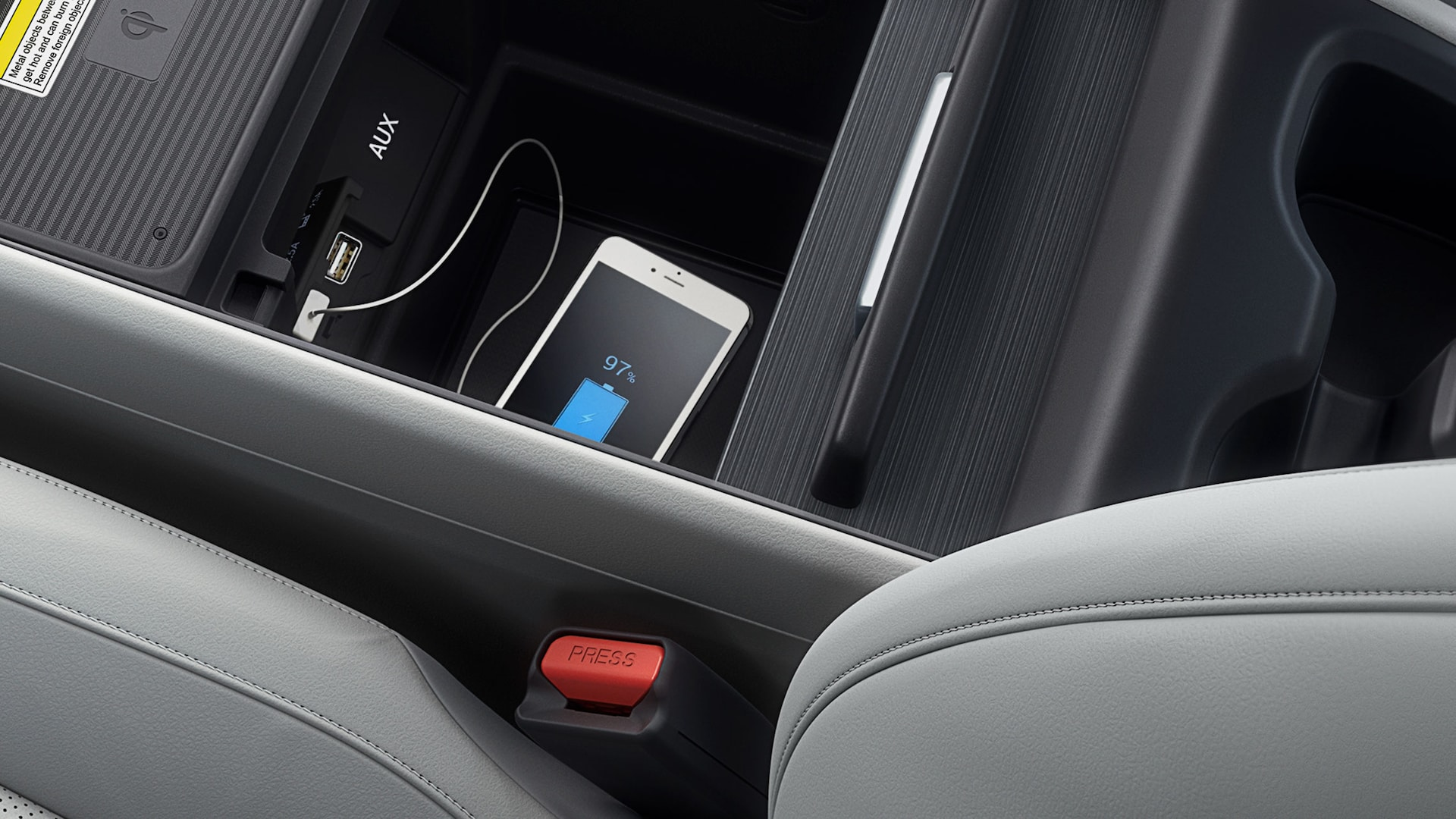 Detalle de los puertos USB delanteros y traseros en la Honda Odyssey Elite2020 con Gray Leather.