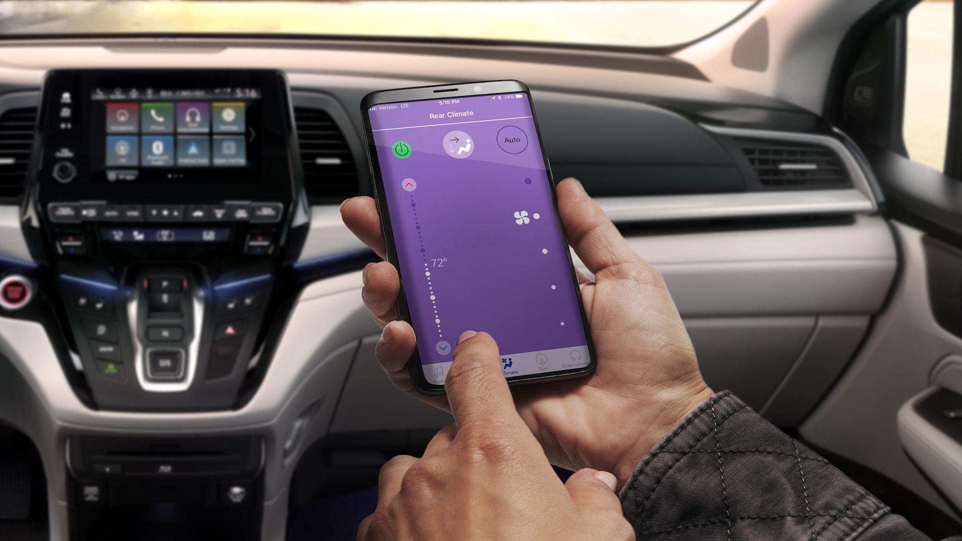 Honda Odyssey2020 con pantalla de control de clima CabinControl®.