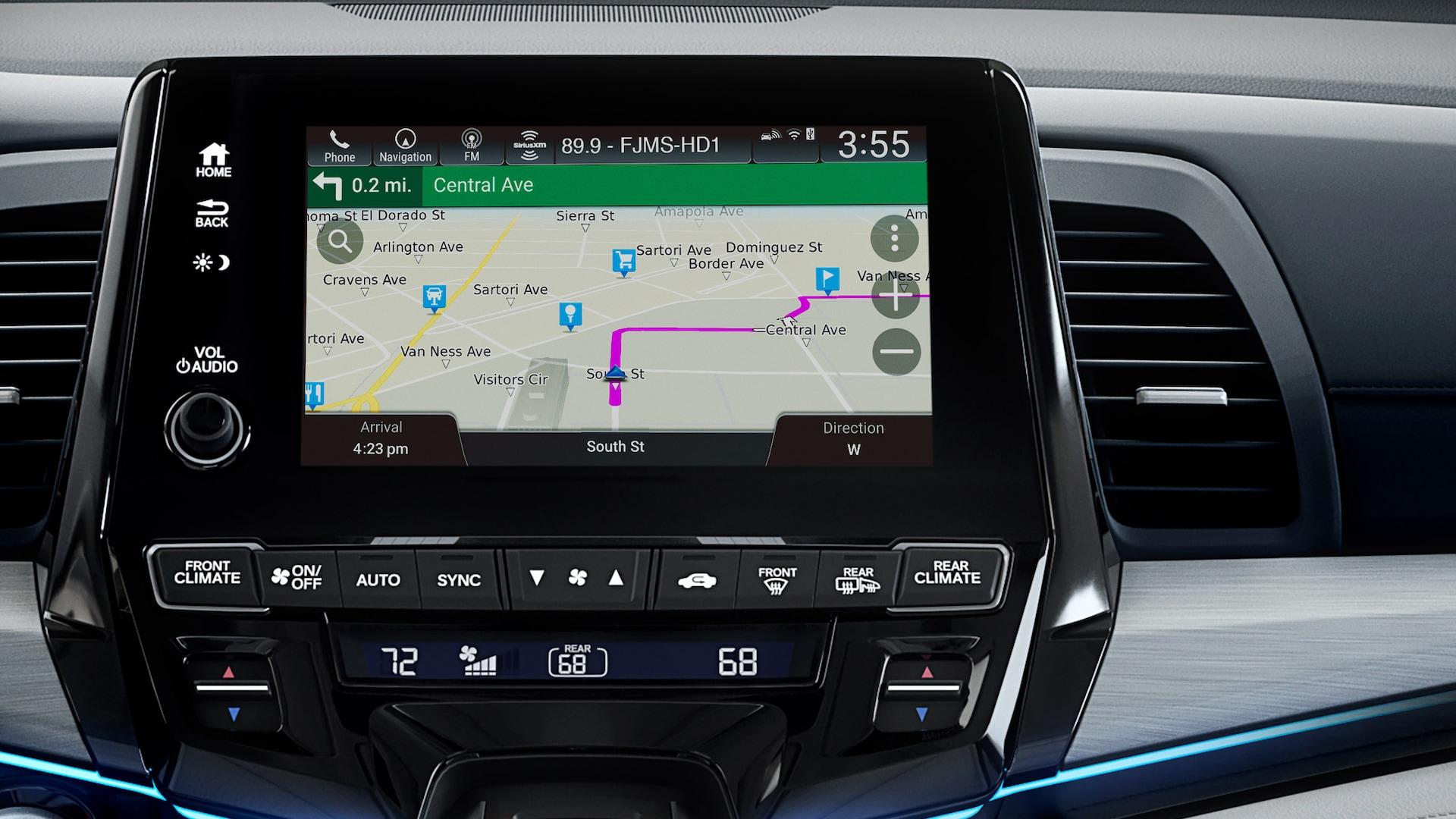 Detalle de Honda Satellite-Linked Navigation System® en la pantalla táctil del sistema de audio en la Honda Odyssey Elite2020 con Gray Leather.