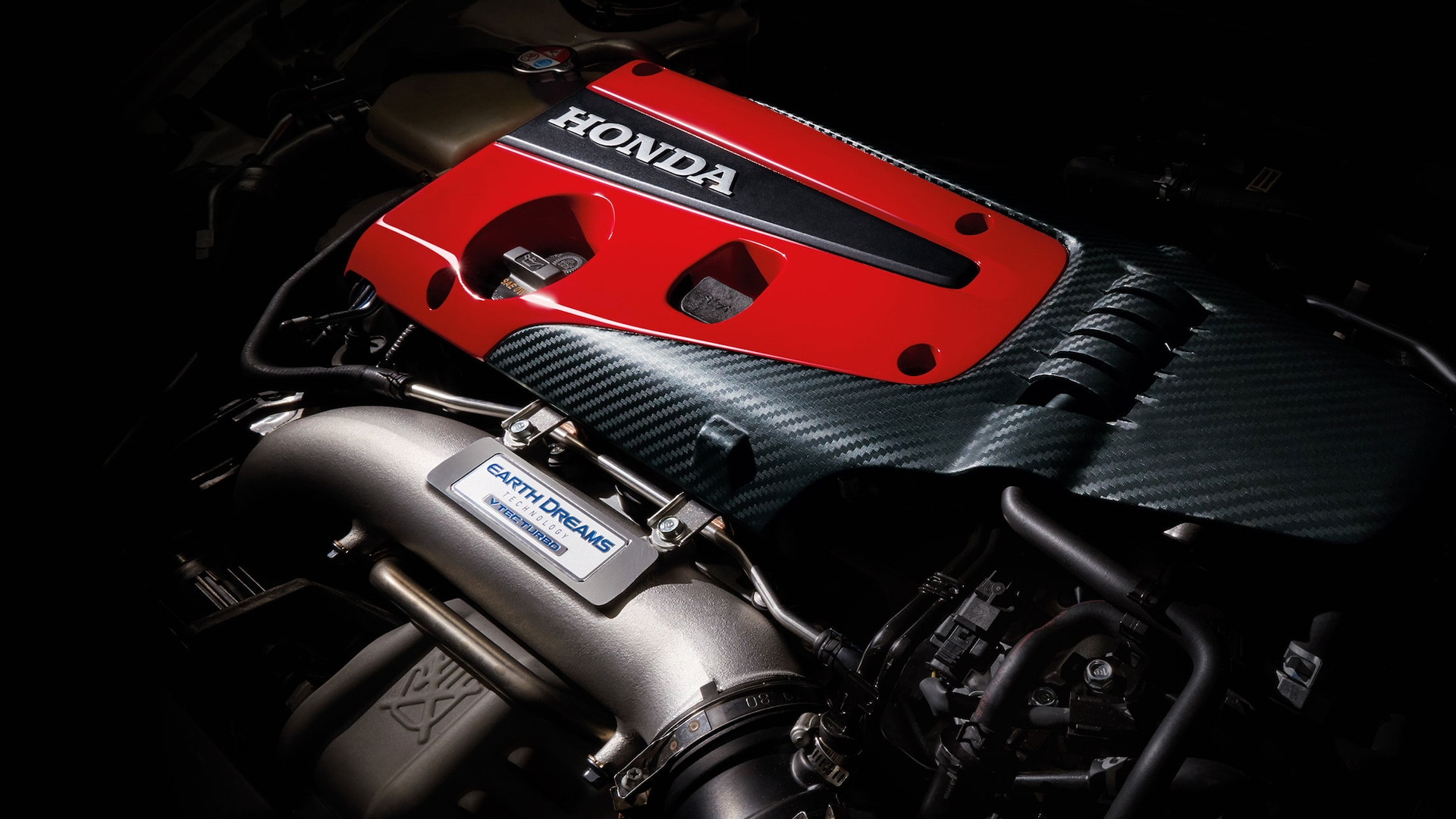 Detail of 2.0-liter VTEC® turbocharged engine in the 2021 Honda Civic Type R.