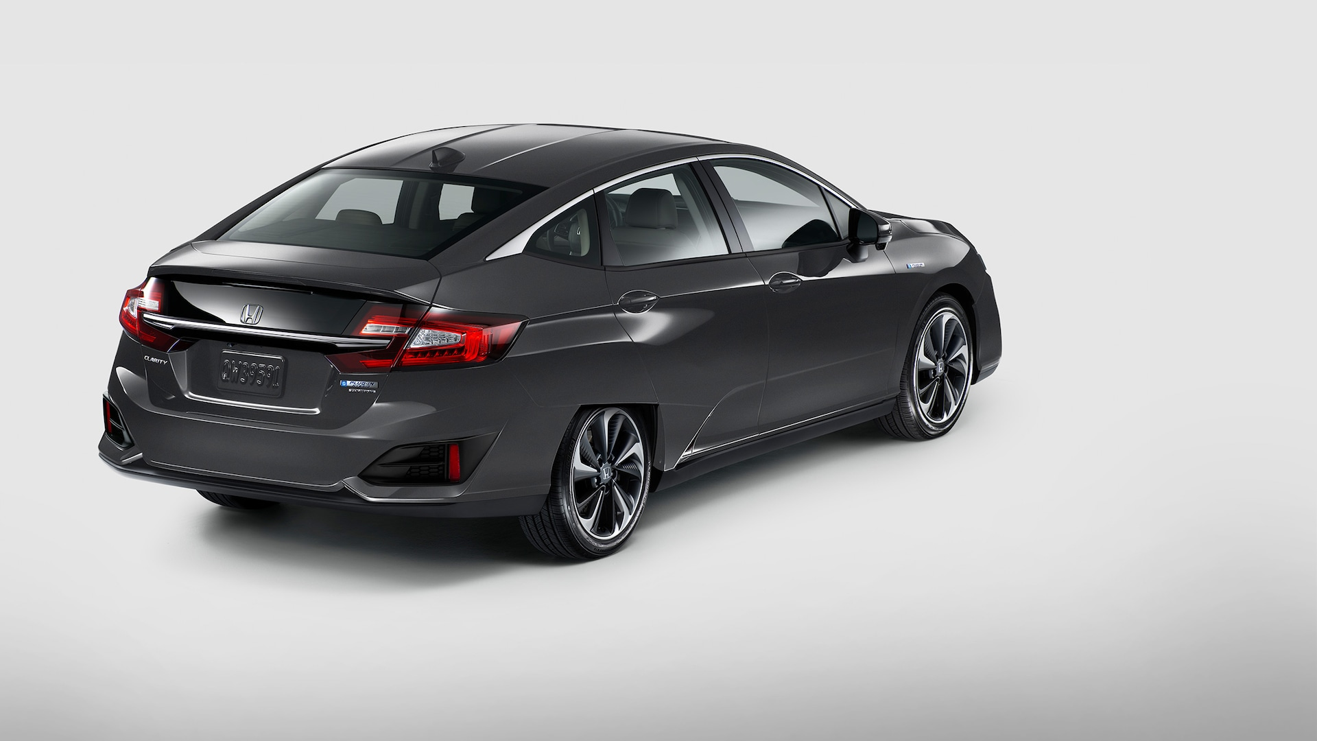 Rear view of 2021 Clarity Plug-In Hybrid in Modern Steel Metallic.
