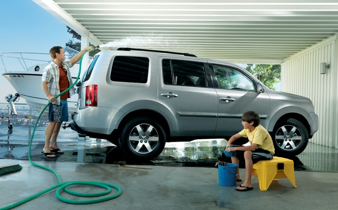 Exterior Photo of 2012 Honda Pilot