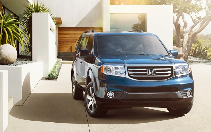 Exterior Photo of 2013 Honda Pilot