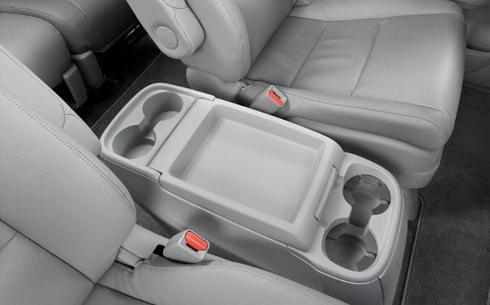 2014-honda-odyssey-interior-cup-holders-a