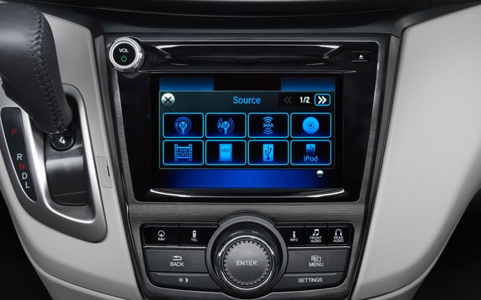 2014-honda-odyssey-interior-media-touchscreen-a
