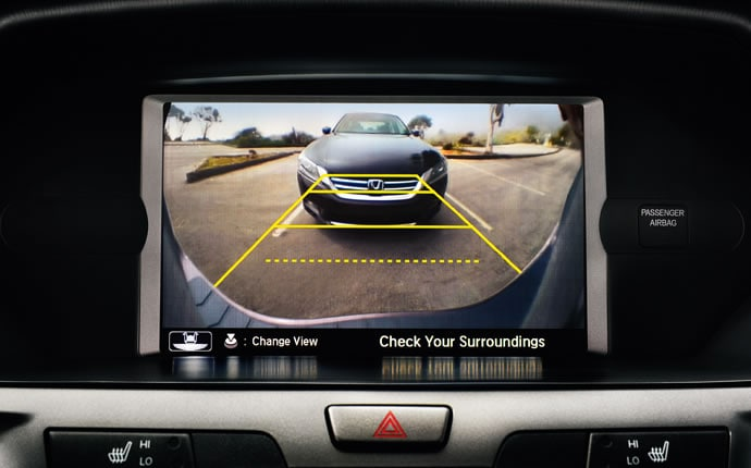 2014-honda-odyssey-interior-rearview-camera