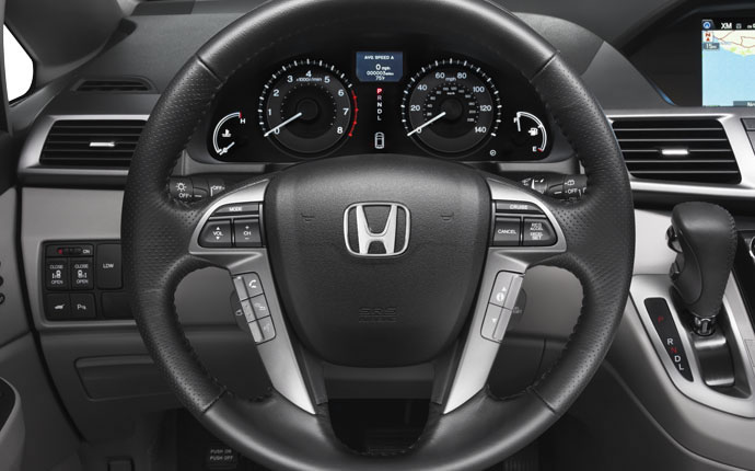 2014-honda-odyssey-interior-steering-wheel