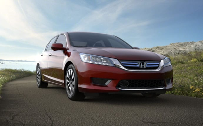 Exterior Photo of 2014 Honda Accord Hybrid