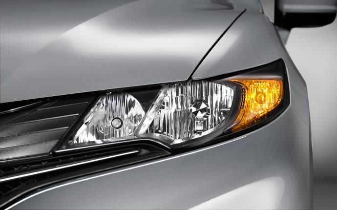 2014-honda-civic-coupe-headlights-detail