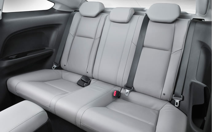 2014-honda-civic-coupe-back-seats-a