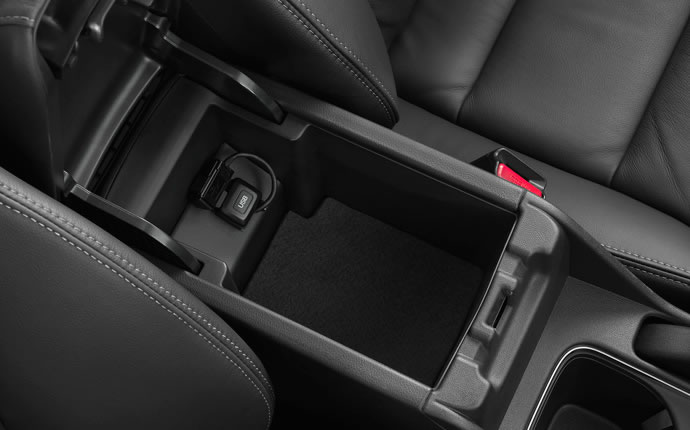 2014-honda-civic-coupe-center-console-b