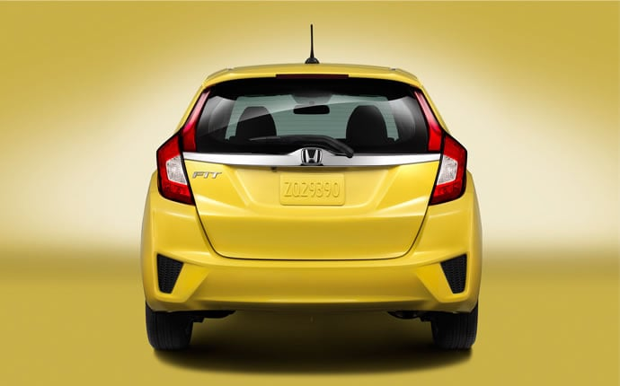2015-honda-fit-rear0