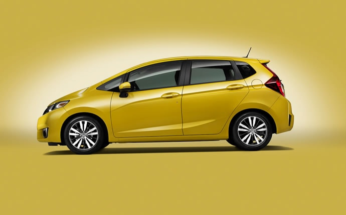 2015-honda-fit-side1