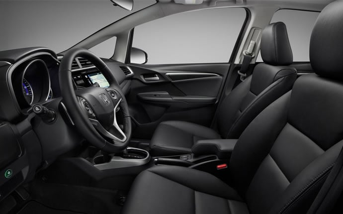 2015-honda-fit-front-seats