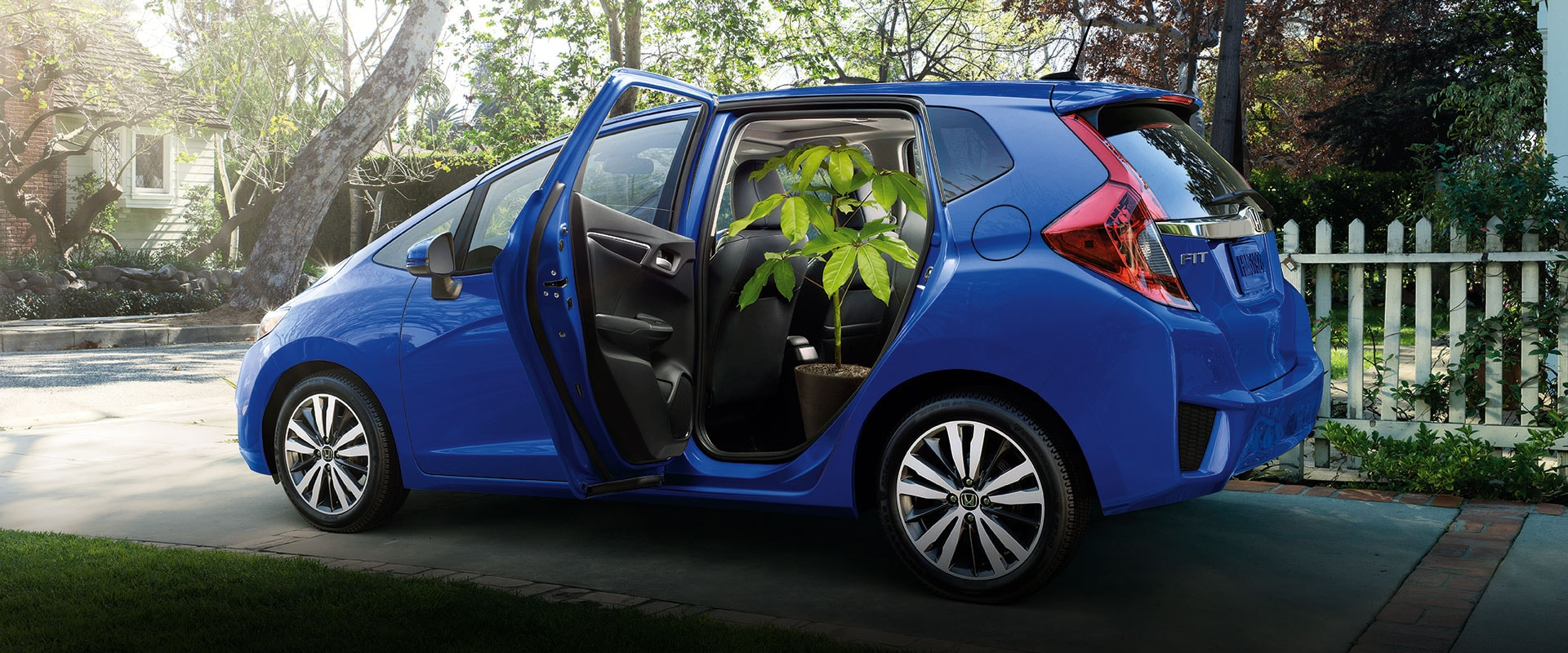 2016 honda fit features detail official site. Black Bedroom Furniture Sets. Home Design Ideas