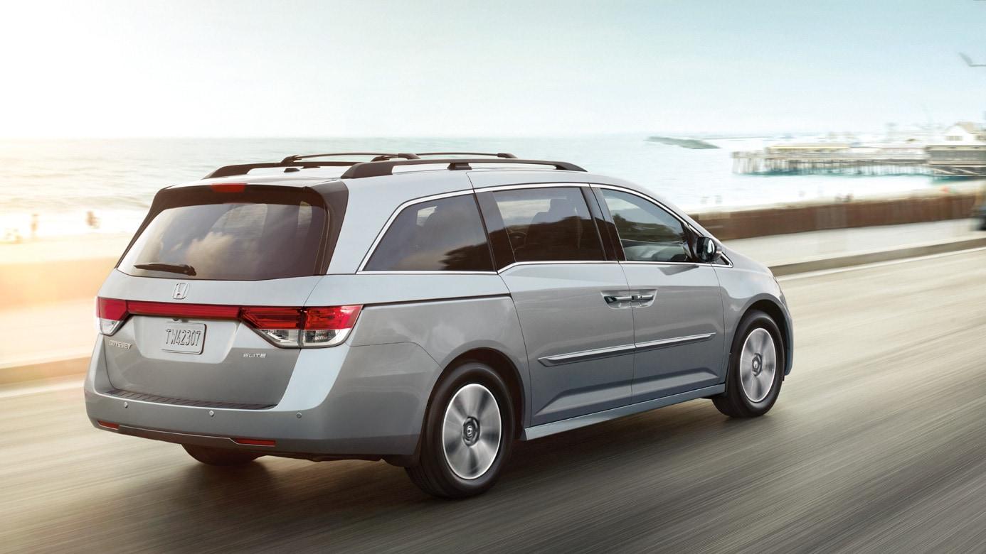 2016 Honda Odyssey Minivan Rear01 Jpg
